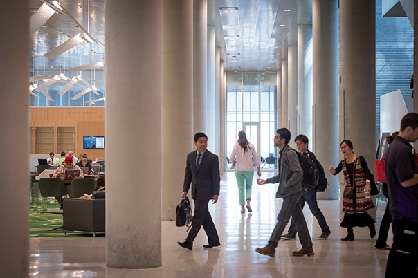 Law students enter Dineen Hall.